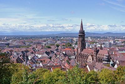 Freiburg: Panorama Blick über die Stadt